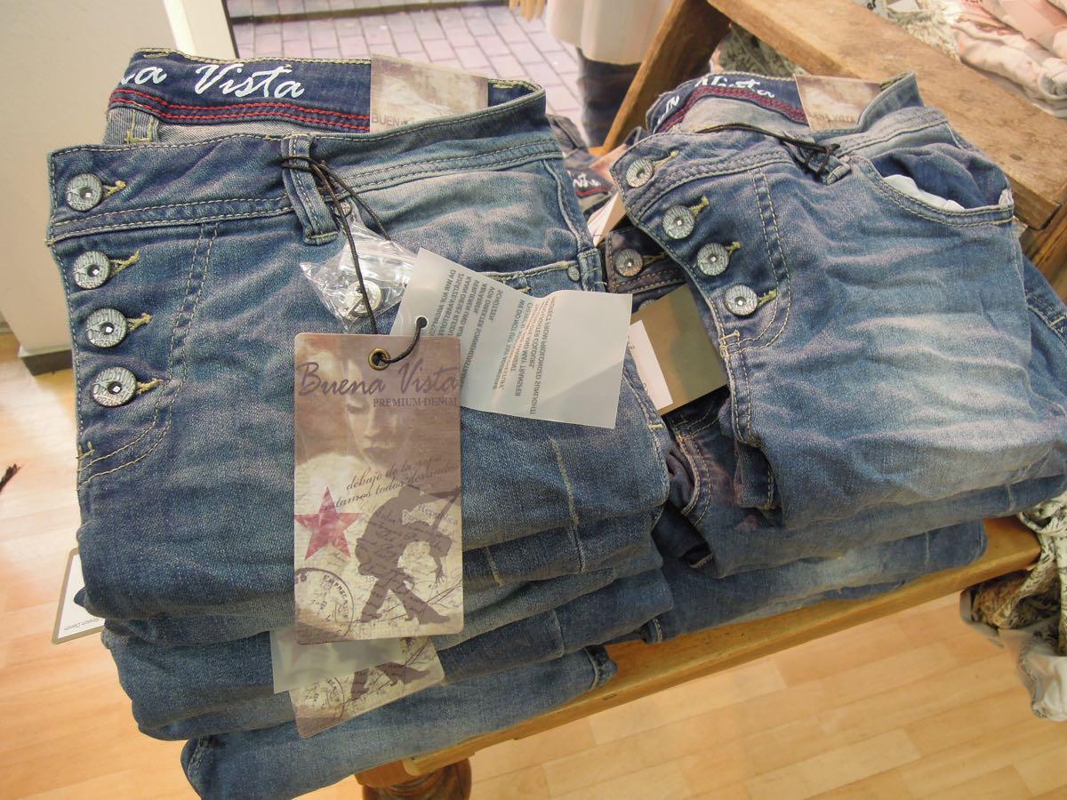 blaue buena vista jeans geislingen modehaus rieker s en kreis. Black Bedroom Furniture Sets. Home Design Ideas