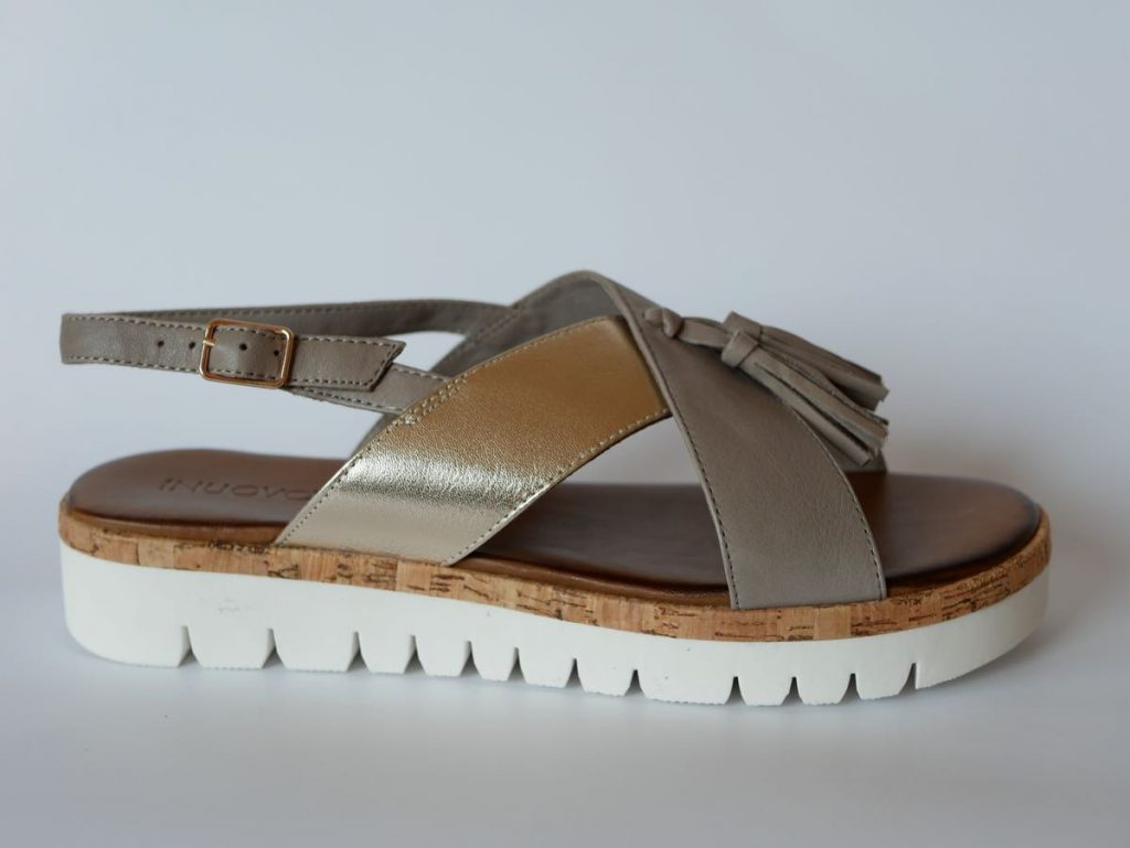 Inuovo Sandale mit Kork 1