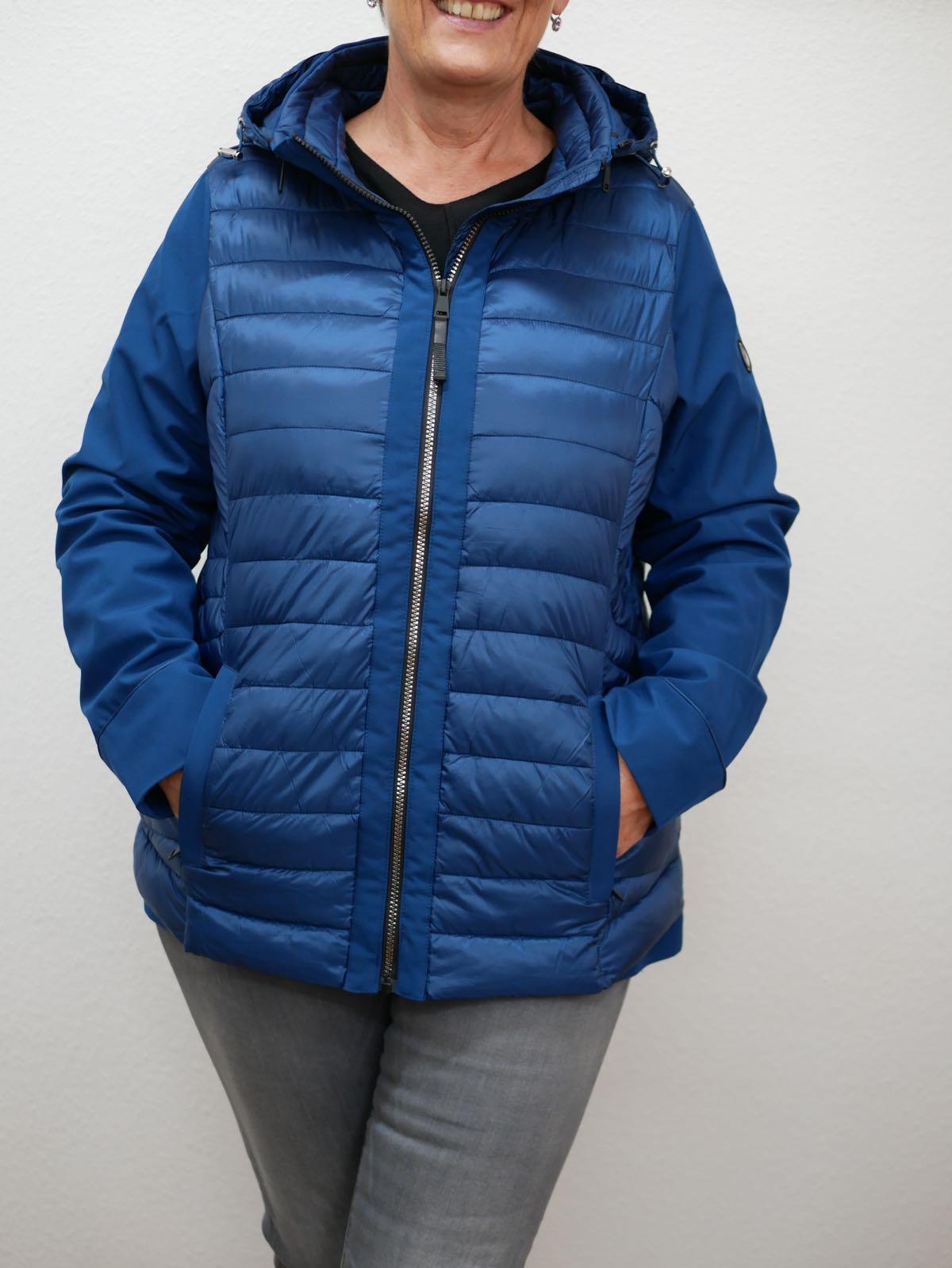 Blaue Winterjacke von Cecil 2