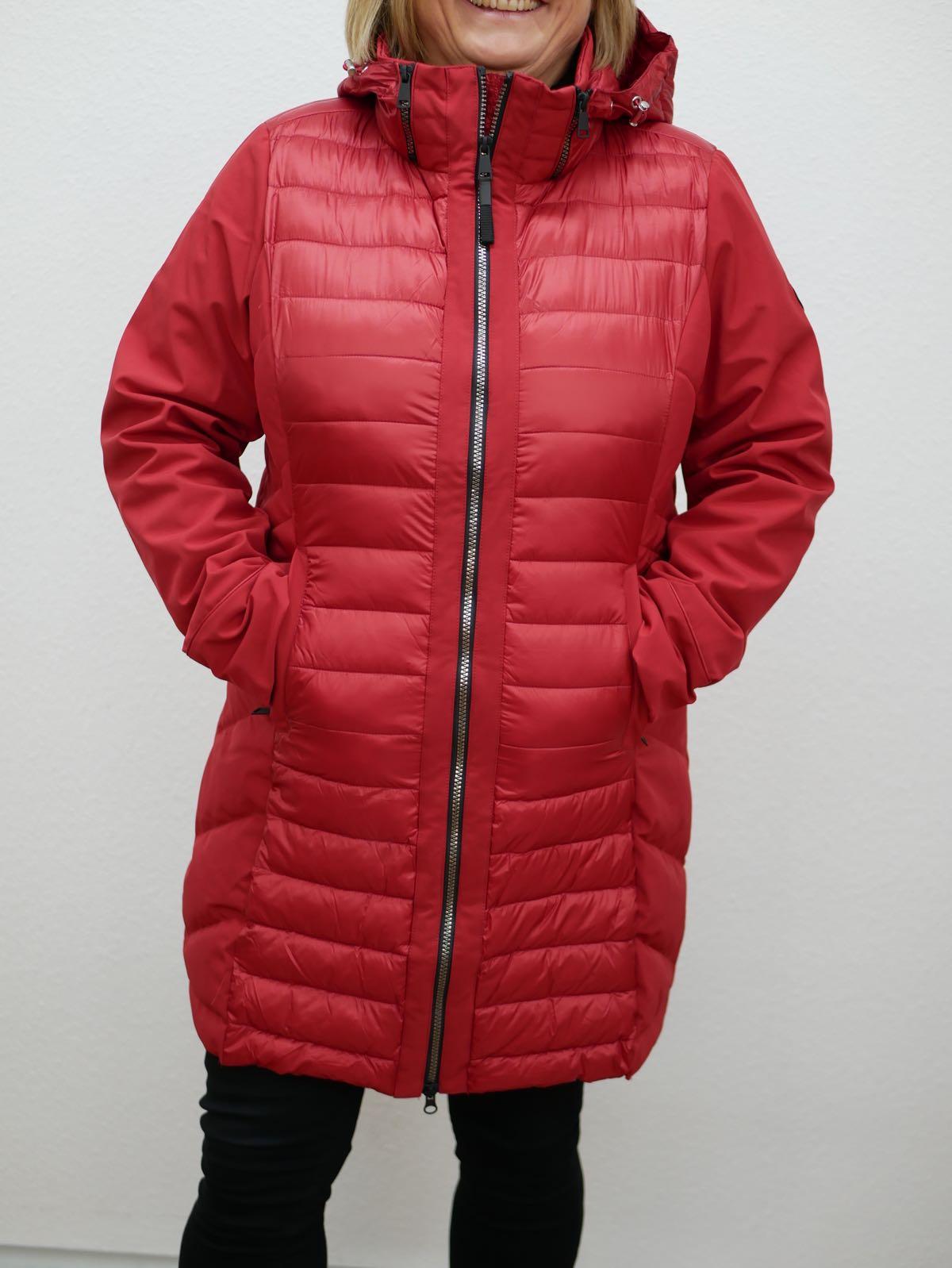 Rote Winterjacke von Cecil 1