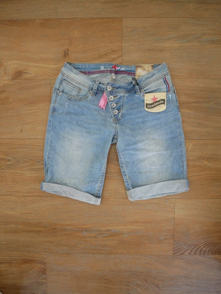 1904-J5025 Malibu Short Stretch Denim 1