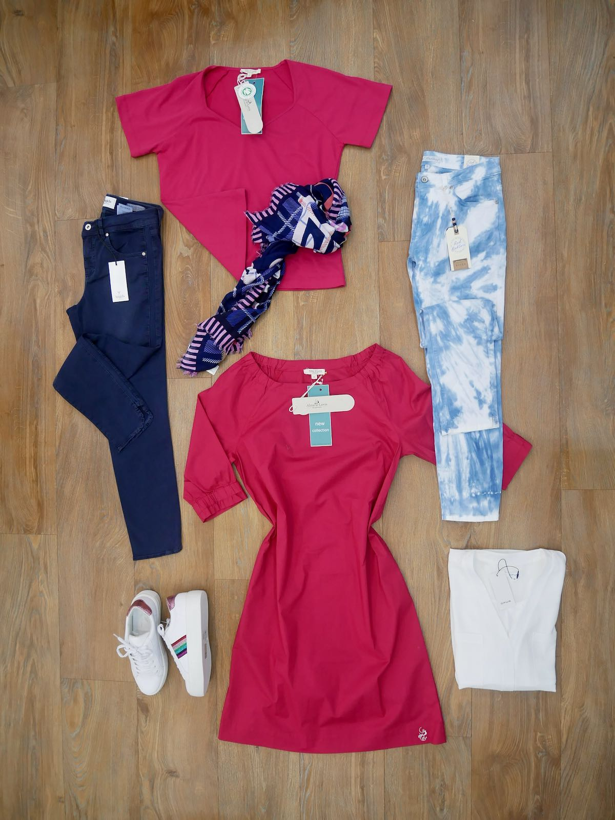 Alma & Lovis Kleid Red Button Jeans 7:8 Angels Jeans 7:8