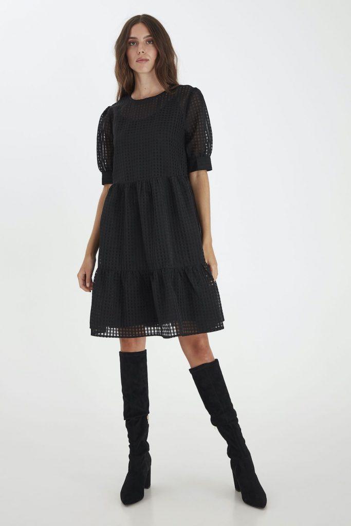 Klassisch schwarzes Ballkleid von Ichi