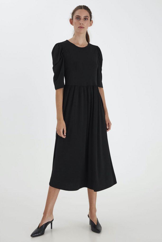 Schwarzes Kleid von Ichi